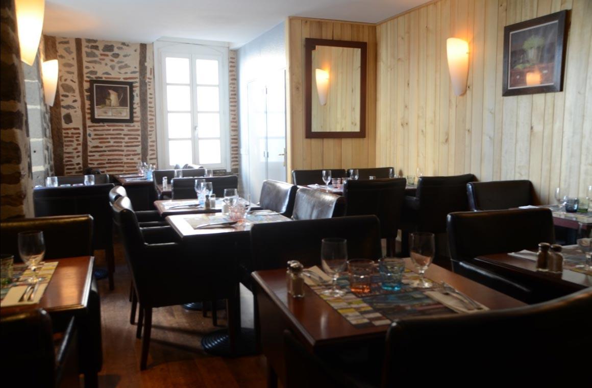 la fontaine restaurant bar brasserie 224 aurillac 15 cantal